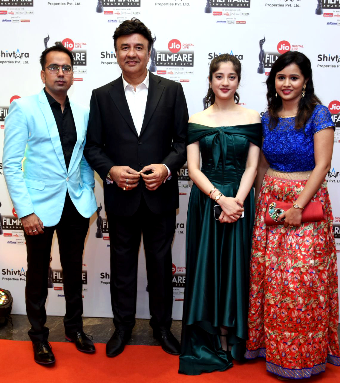 YOUDLY' Makes a stupendous Mark At The Filmfare Awards