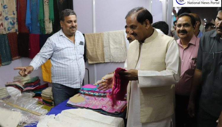 Shilpostava inaugurated at NOIDA by Union Minister Dr Mahesh Sharma