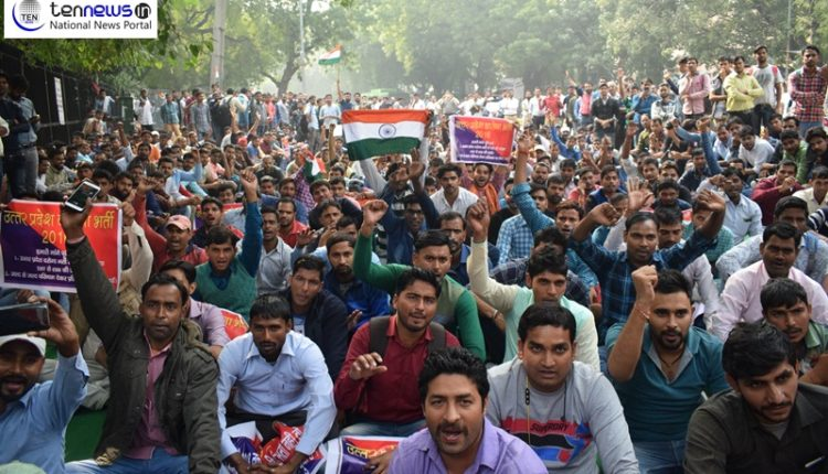UP Police Recruitment : Candidates protest in Delhi alleging delay in joining service
