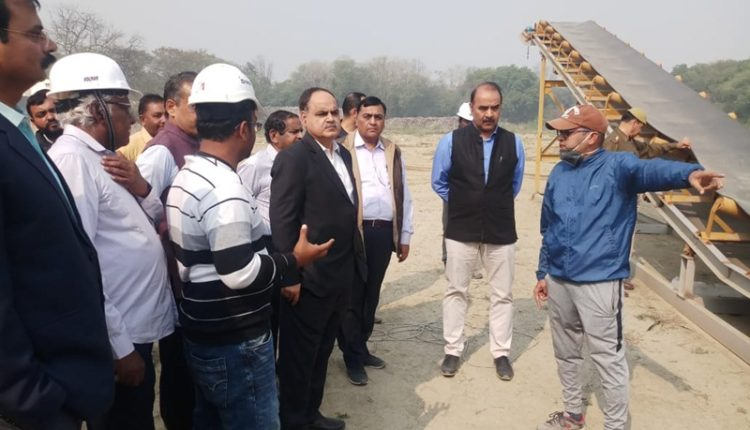 Noida Authority CEO inspects sector 54 site for construction of remediation plant
