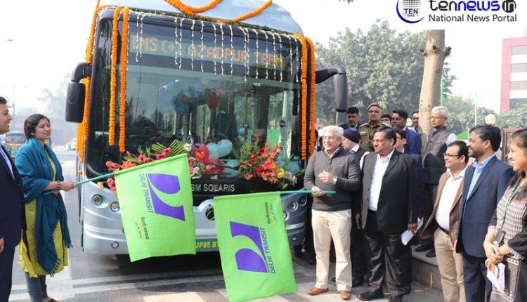 Delhi Transport Minister Gahlot Flags off electric bus by JBM Group for Delhi's public transportation