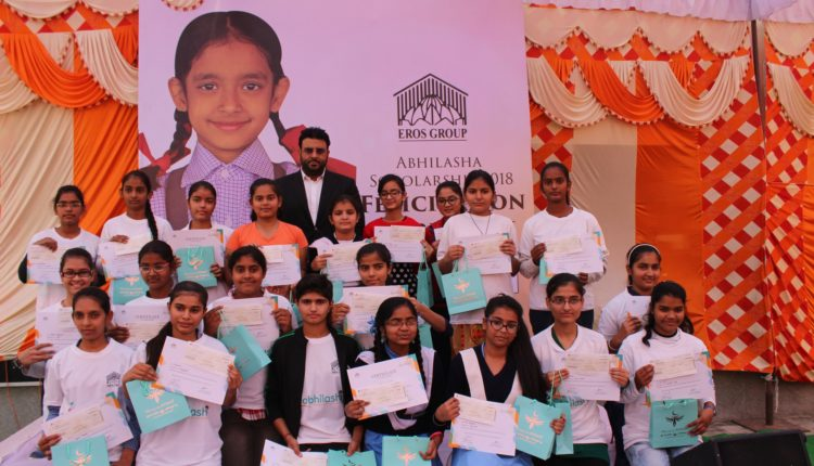 Mr. Avneesh Sood, Director, EROS Group with the girl students