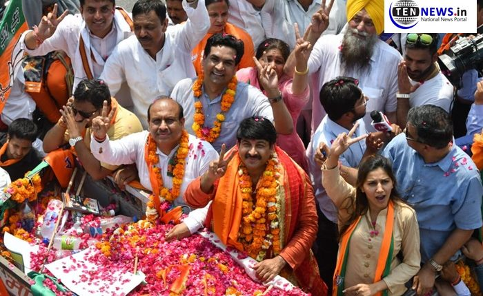 Lok Sabha Elections 2019: Actor-dancer Sapna Chaudhary campaigs for BJP MP Manoj Tiwari
