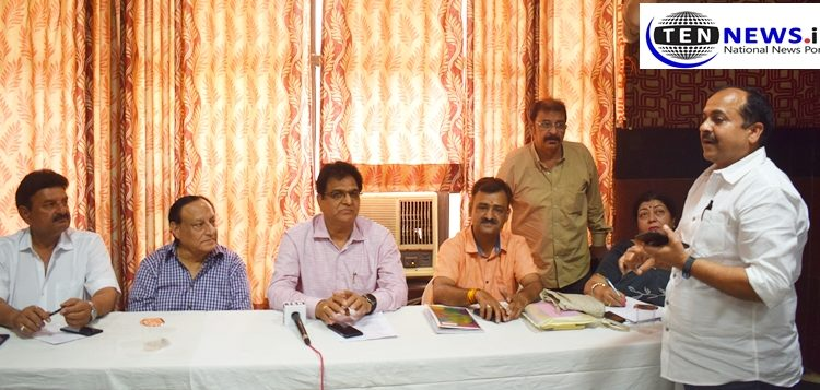 CONRWA highlights key civic issues of Noida including traffic and stray animals