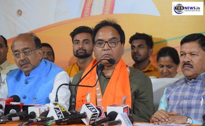 AAP MLA Anil Kumar Bajpai joins BJP ahead of Lok Sabha polls, accuses Kejriwal for disrespecting MLA's