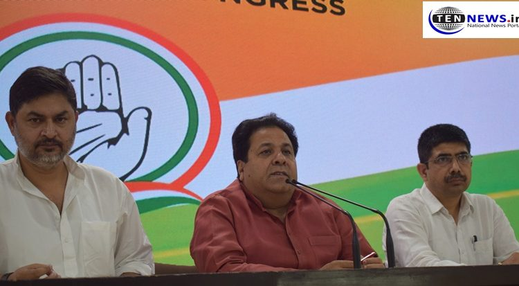 #LSPolls: #EC should properly investigate the moving of #EVMs from strongrooms: Congress' Rajiv Shukla