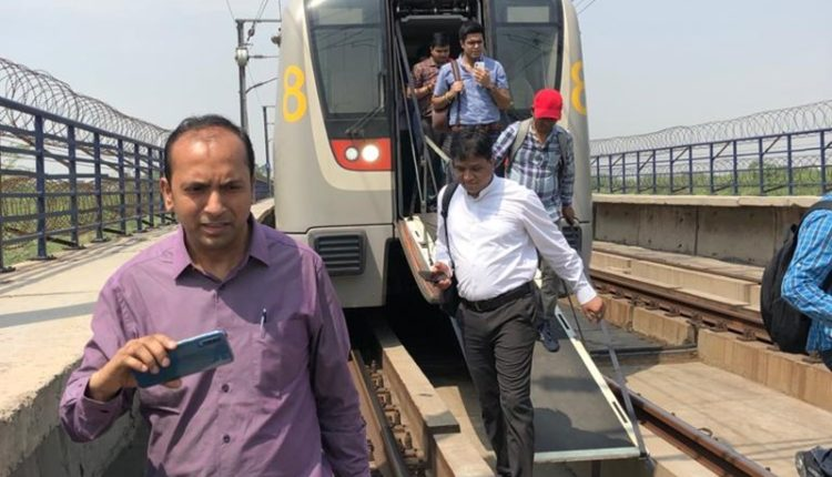 Delhi Metro Snag: Thousands of passengers affected by technical fault in Yellow line metro