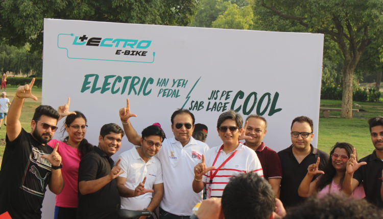 Mr. Rohit Gothi, CEO, Hero Cycles LTD with cyclists