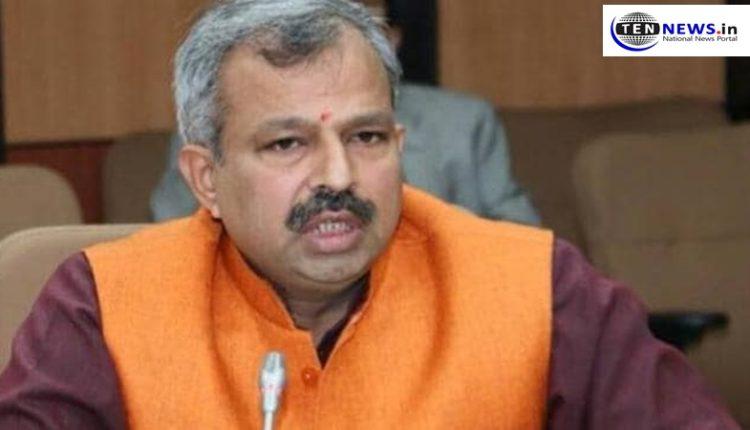 delhi-covid-app-annoying-patients-says-bjp-delhi-chief