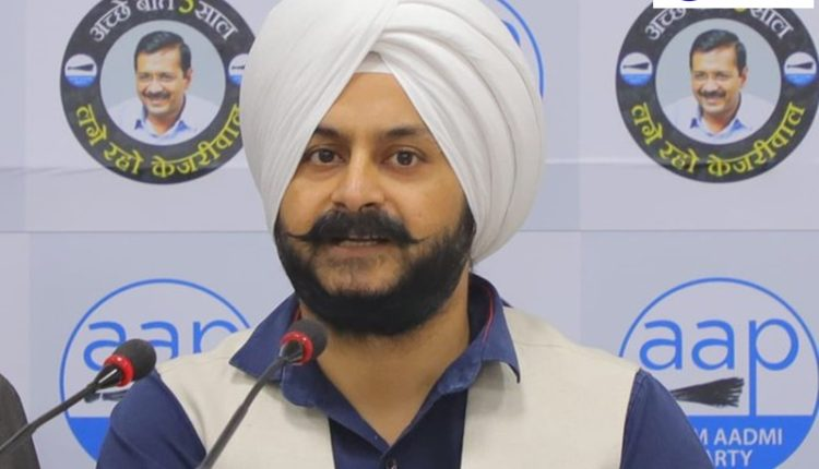 Will SAD chief suspend Majinder Singh Sirsa for financial irregularities, questions AAP