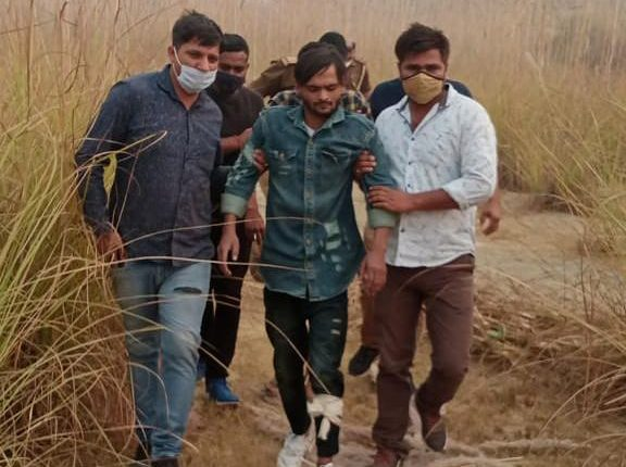 Cow-smugglers-shot-and-injured-greater-noida