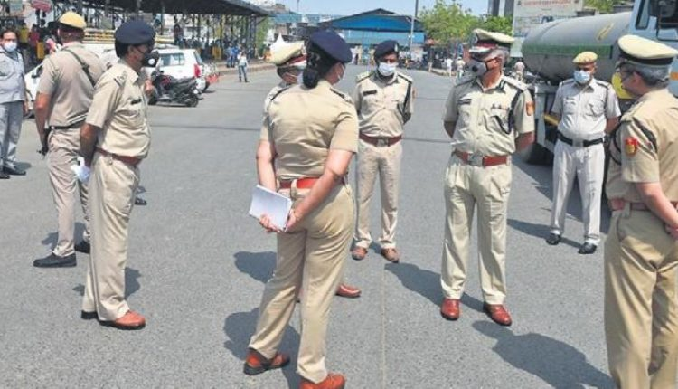 Delhi-police-taking-strict-action-use-of-crackers