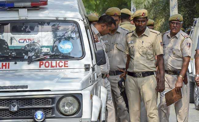 15-vehicle-looters-arrested-delhi-police